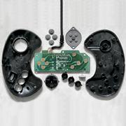 Porno electrónico: autopsias de mandos de consolas antiguas