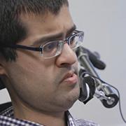Vivek Gohil, activista: «Lo ideal sería no tener que hablar de accesibilidad porque significaría que ya está presente»