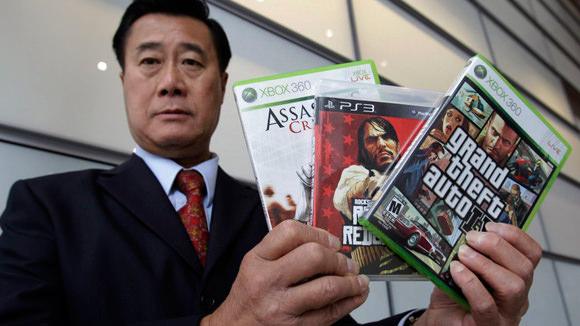 El senador anti-videojuegos violentos irá a la cárcel